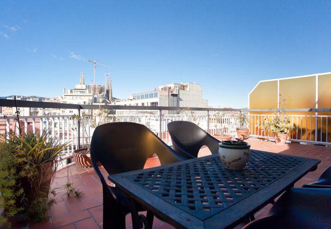Apartamento en Barcelona - ATIC SAGRADA FAMILIA, con gran terraza privada y vistas