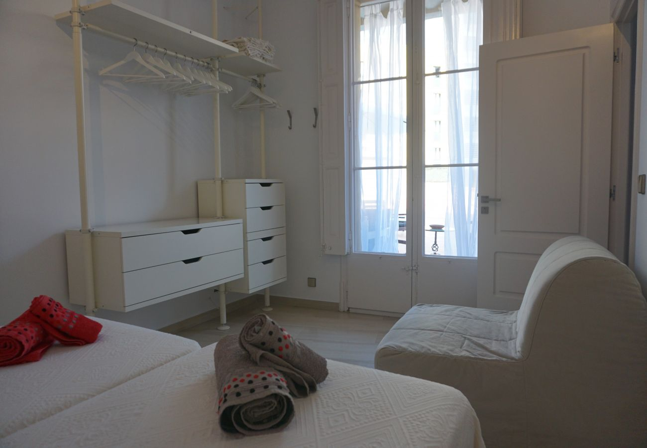 Apartment in Barcelona - Nice flat for rent with large private terrace, next to Passeig de Gracia, Barcelona center
